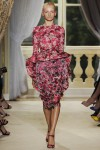 giambattista-valli-fall-2012-couture-runway-13_202112198295