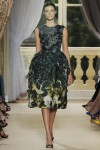 giambattista-valli-fall-2012-couture-runway-25_202128675060
