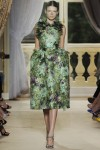 giambattista-valli-fall-2012-couture-runway-27_202131447105
