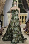 giambattista-valli-fall-2012-couture-runway-31_202136145626