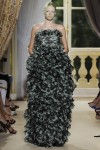 giambattista-valli-fall-2012-couture-runway-36_202143318082